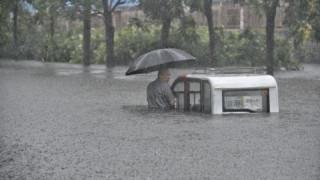 Βιβλικές καταστροφές στην Κίνα από τις καταιγίδες