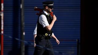 Λονδίνο: Συλλήψεις νεαρών που έκαναν επιθέσεις με οξύ κατά πολιτών (vids)