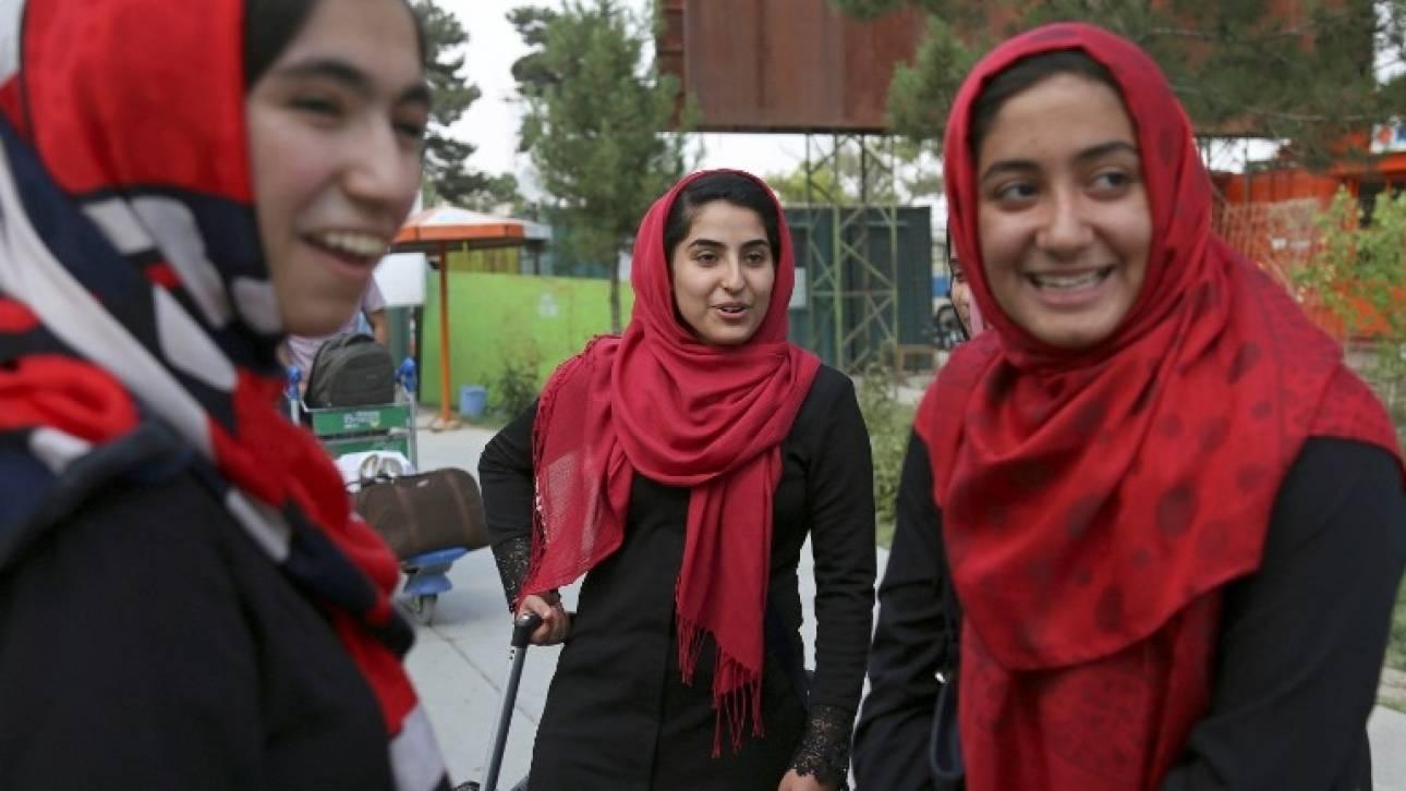 Με παρέμβαση Τραμπ στις ΗΠΑ οι Αφγανές της ρομποτικής