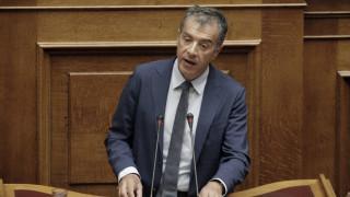 Σ. Θεοδωράκης: Το μόνο που ενδιαφέρει ΣΥΡΙΖΑ και ΝΔ είναι οι στρατιές πελατών