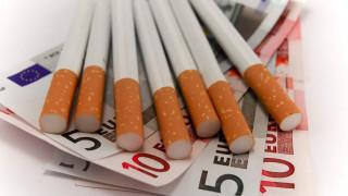 Η αύξηση των φόρων «βύθισε» τα δημόσια έσοδα από τα τσιγάρα