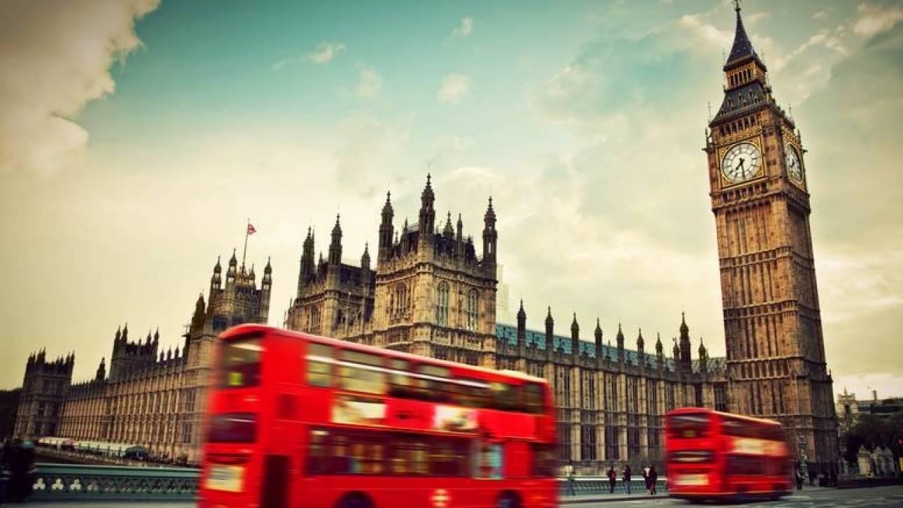 Έγγραφο ντοκουμέντο «μαρτυρά» τα πονηρά σχέδια του Μακρόν για το Brexit