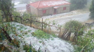 Στο έλεος της «Μέδουσας» η χώρα: Χαλάζι, κεραυνοί, κατολισθήσεις και καταστροφές (pics&vids)