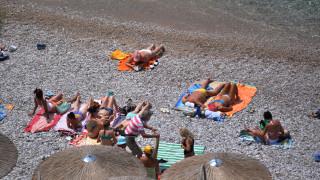 Συνελήφθη 23χρονος που έκλεβε λουόμενους σε παραλίες του Σαρωνικού