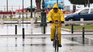Η «Μέδουσα» χτύπησε και τη Θεσσαλονίκη - Προβλήματα και στο κέντρο της πόλης