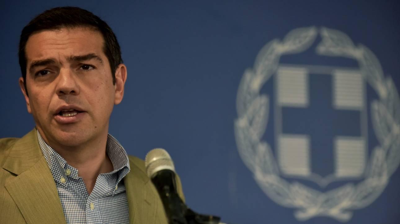 «Πυρά» της αντιπολίτευσης για τις δηλώσεις Τσίπρα στο Υπουργείο Εργασίας
