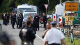 Γερμανία: Συμπλοκές αστυνομικών και μεταναστών – Γυναίκες κατήγγειλαν σεξουαλικές επιθέσεις