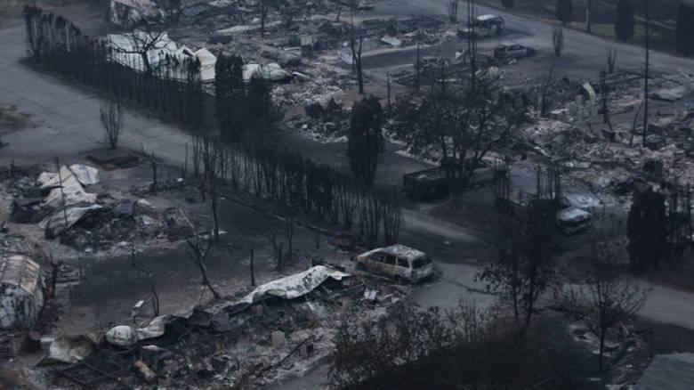 Πύρινος εφιάλτης στον Καναδά: 40.000 άνθρωποι εγκατέλειψαν τα σπίτια τους (pics&vid)
