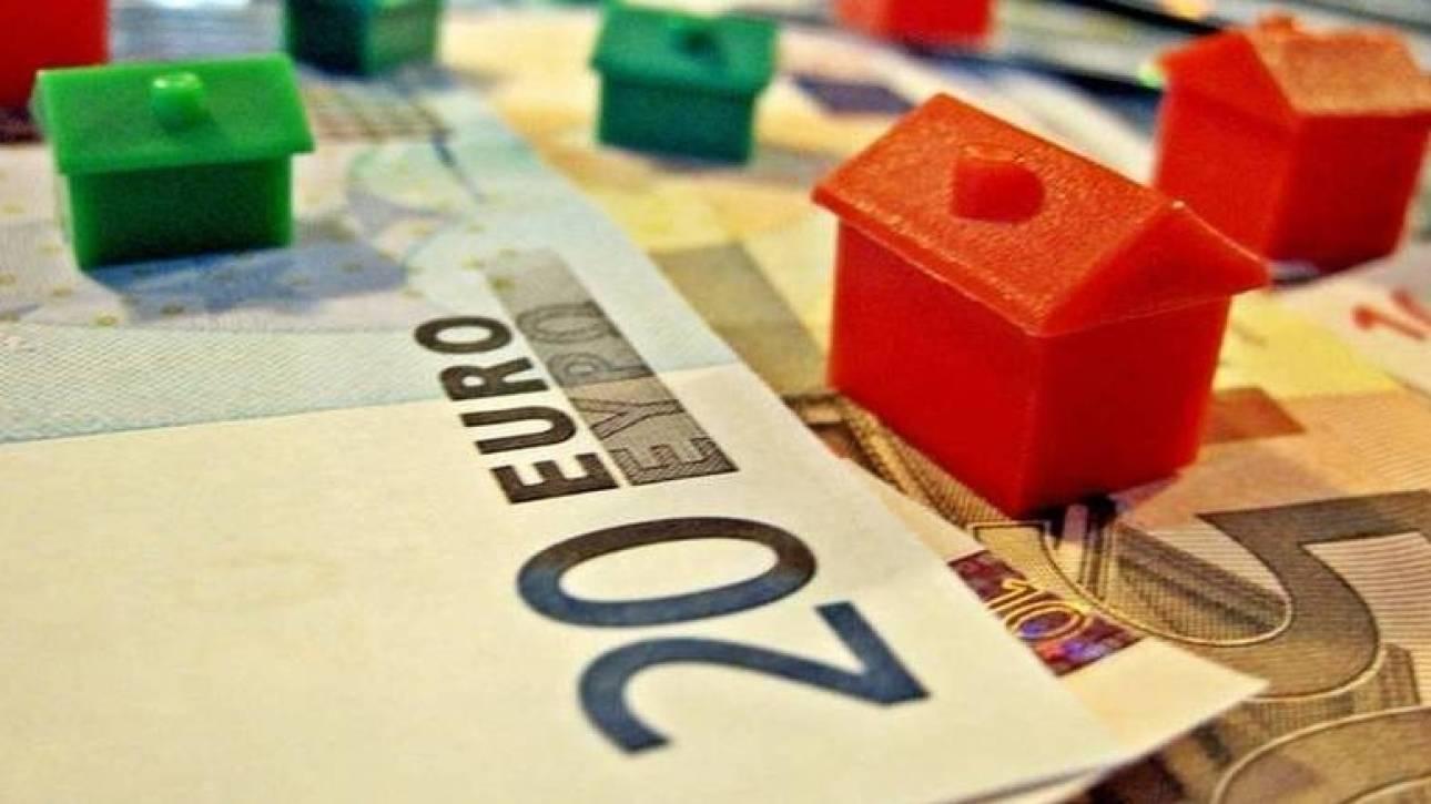 Με το σταγονόμετρο τα δάνεια προς νοικοκυριά και επιχειρήσεις