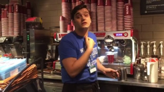 Καφετέρια στο Λονδίνο αρνήθηκε να φτιάξει τοστ σε πελάτη επειδή θα το έδινε σε άστεγο (vid)