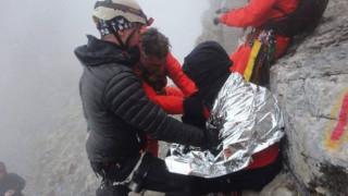 Εξαντλημένος ο Ρουμάνος ορειβάτης: Φωτογραφίες από την επιχείρηση διάσωσης στον Όλυμπο