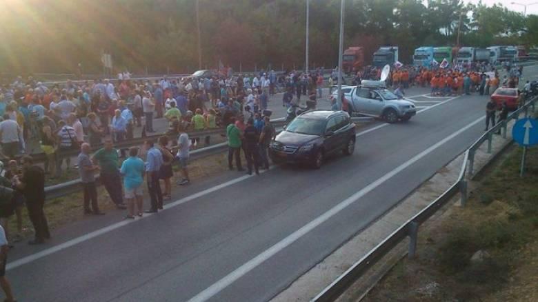 Καβάλα: Νέες διαμαρτυρίες στην Εγνατία για τα διόδια (pics)