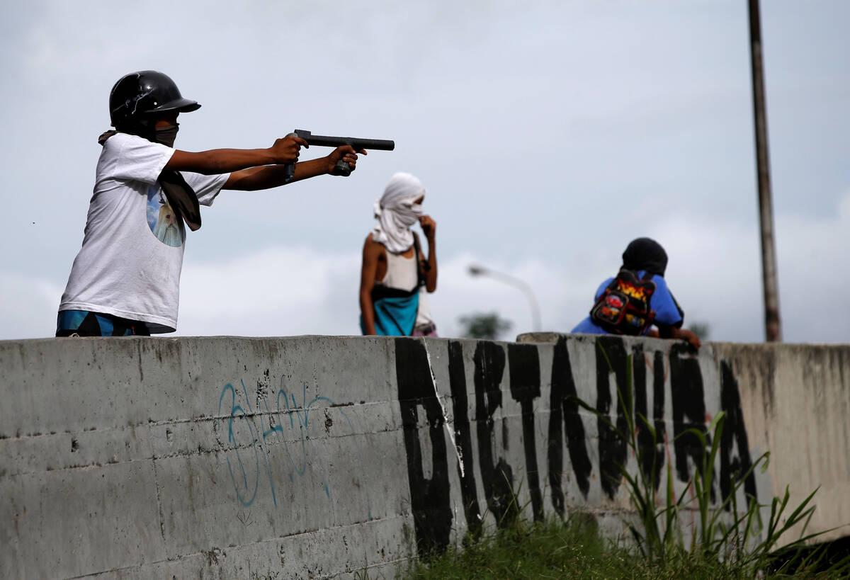 2017 07 20T221608Z 471215782 RC1E2D7535E0 RTRMADP 3 VENEZUELA POLITICS