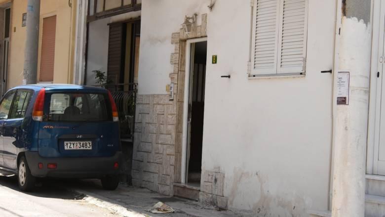 Στον εισαγγελέα ο δράστης που σκότωσε τη σύντροφό του στο Περιστέρι