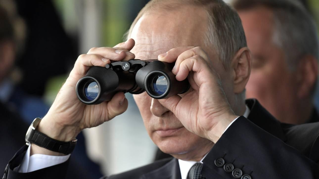Κρεμλίνο: Καλοστημένη απάτη το κόλπο με το ρολόι του Πούτιν