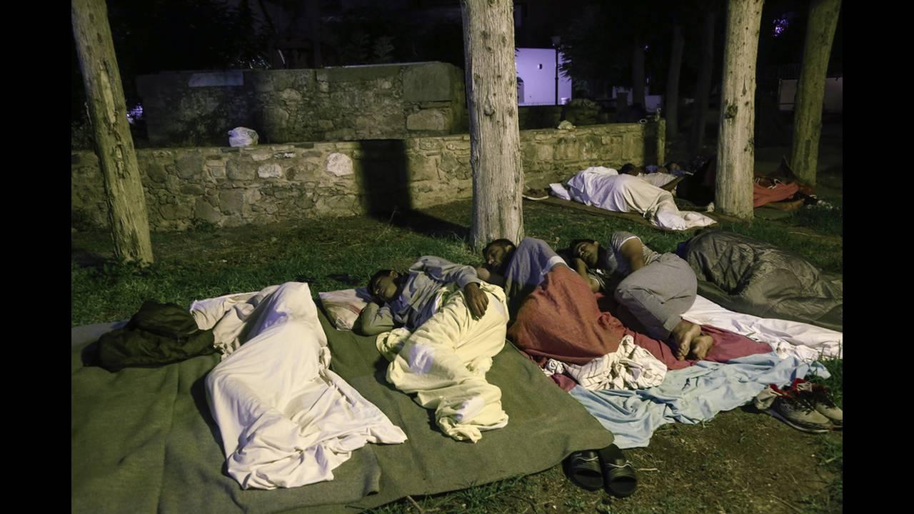 Κως: κοιμήθηκαν στους δρόμους και τα πάρκα