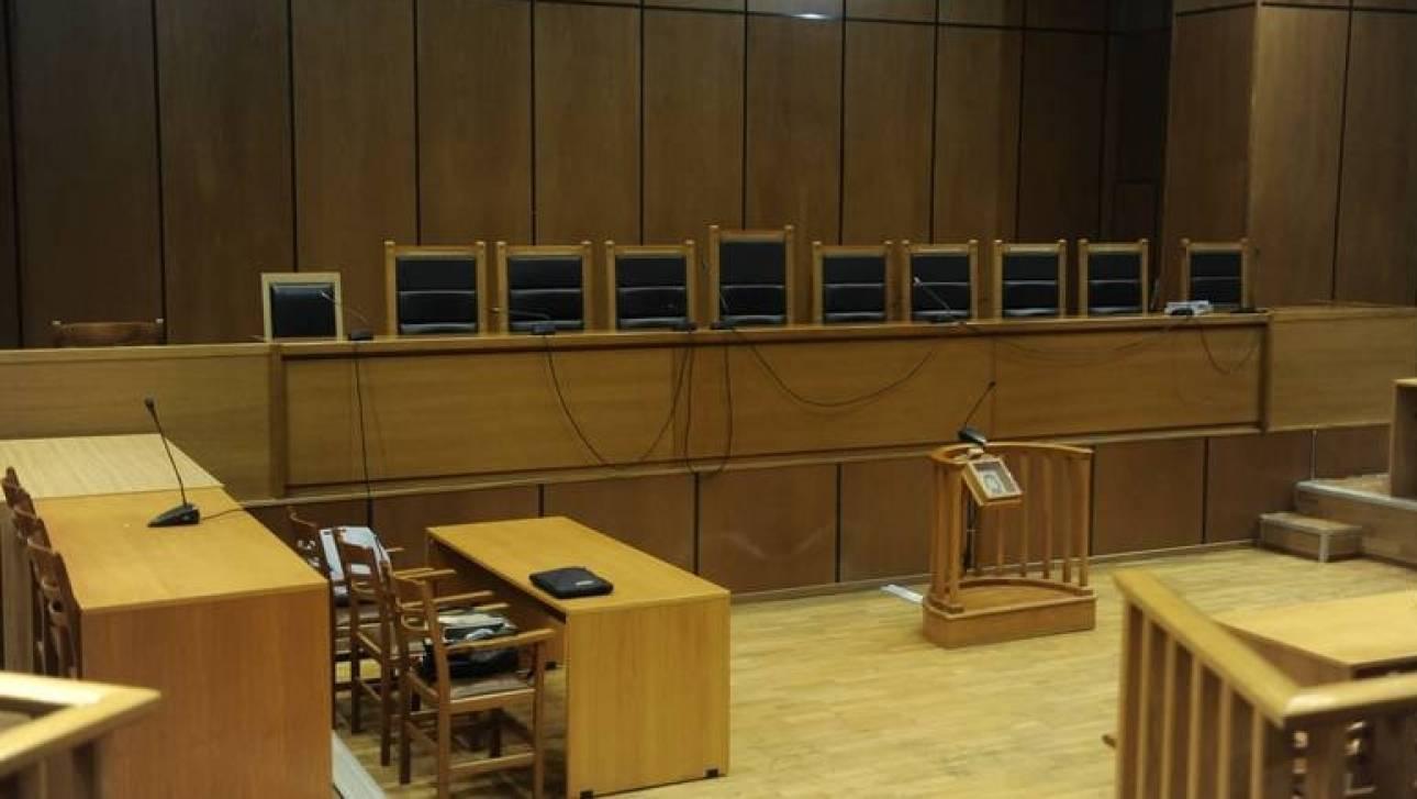 «Εμφύλιος» στους δικαστικούς για την κόντρα με την κυβέρνηση