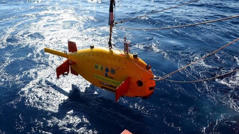 Κίνα: Παρθενική κατάδυση για το υποβρύχιο ρομπότ Tansuo (pics)