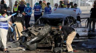 Πακιστάν: Δεκάδες νεκροί από επίθεση βομβιστή-καμικάζι στη Λαχόρη (pics)