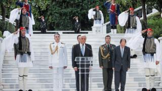 Καρέ καρέ η δεξίωση στο Προεδρικό Μέγαρο για την επέτειο αποκατάστασης της Δημοκρατίας