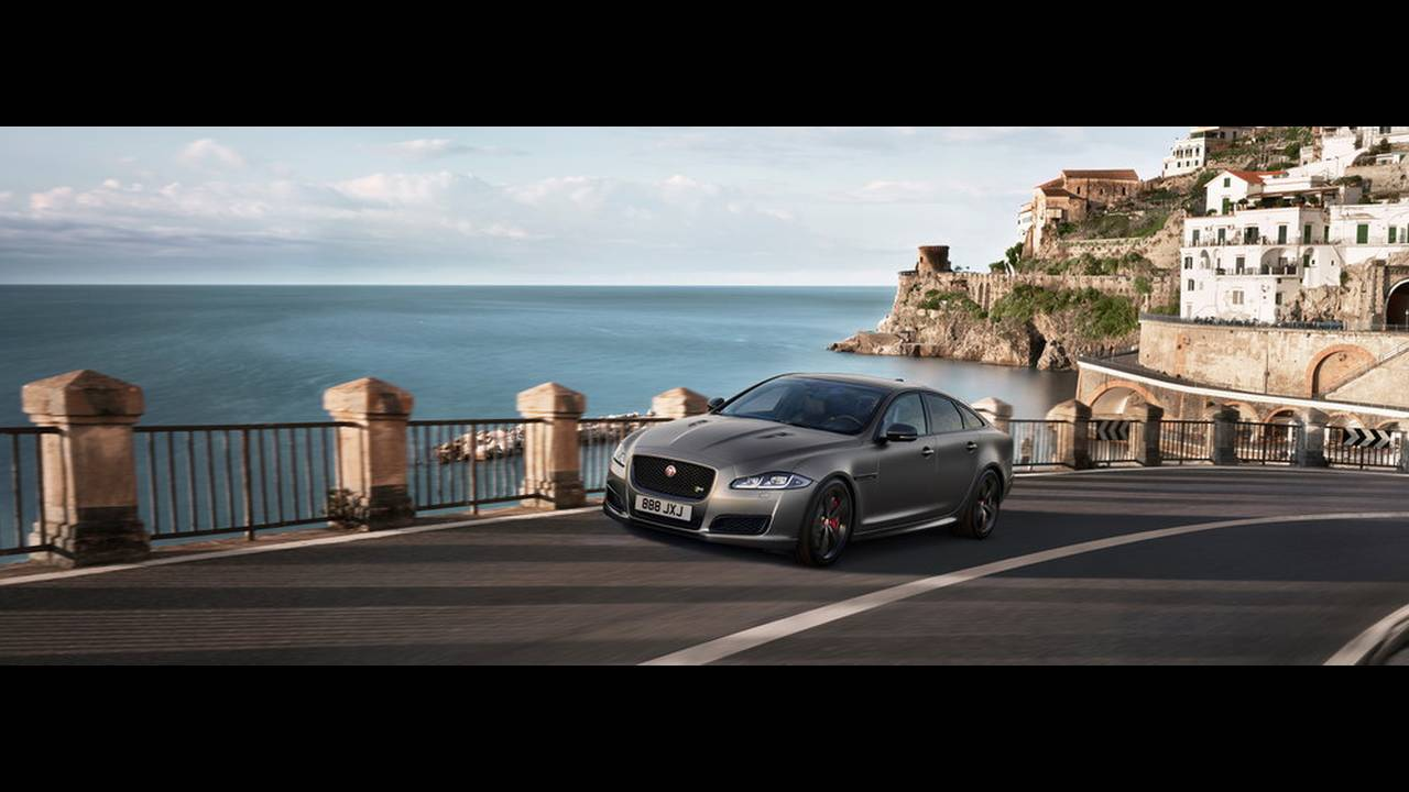 https://cdn.cnngreece.gr/media/news/2017/07/25/90582/photos/snapshot/JAGUAR-XJR575-10.jpg