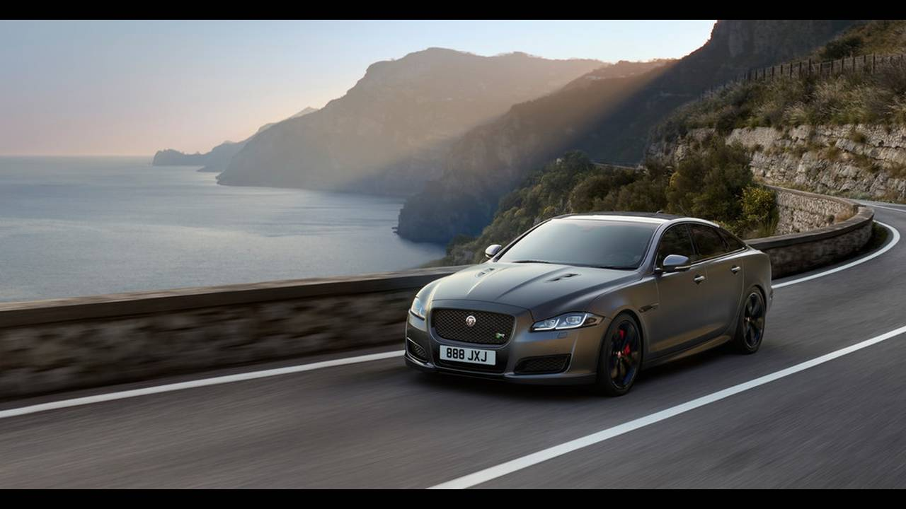 https://cdn.cnngreece.gr/media/news/2017/07/25/90582/photos/snapshot/JAGUAR-XJR575-6.jpg
