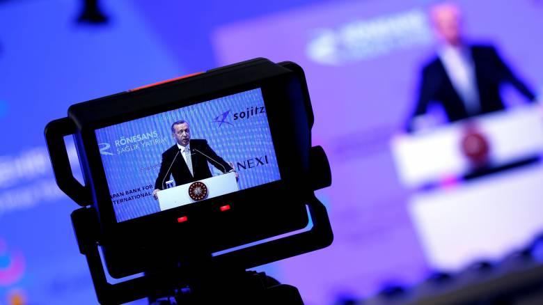 Οκτώ στους δέκα Γερμανούς δεν θεωρούν την Τουρκία δημοκρατική χώρα