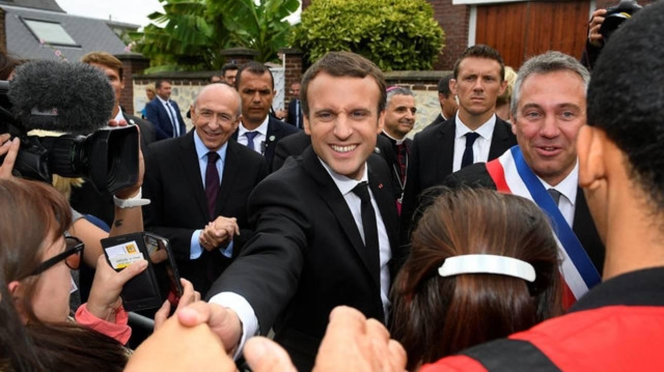 Γαλλία: Μεγάλη πτώση καταγράφει η δημοτικότητα του Εμανουέλ Μακρόν