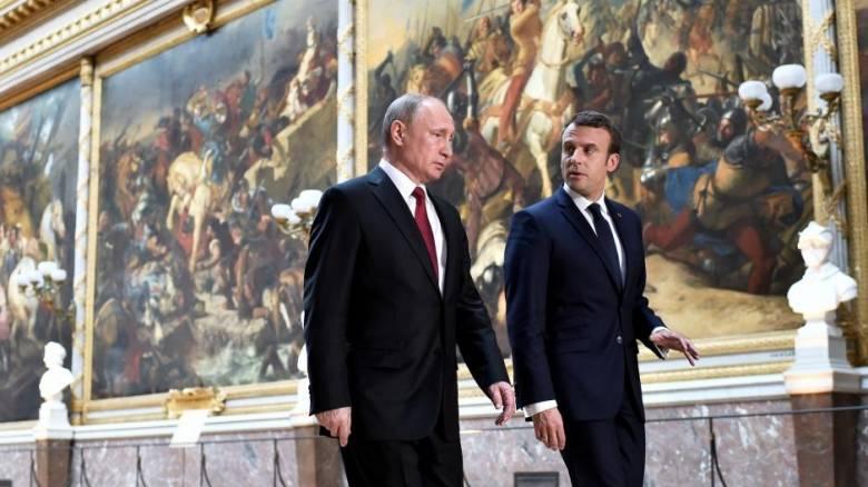 Reuters: Η Ρωσία κατασκόπευε την καμπάνια του Μακρόν μέσω... facebook