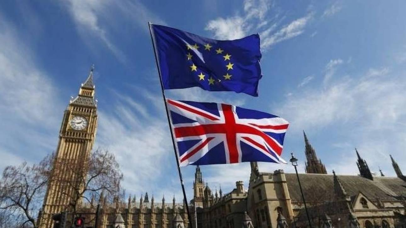 Ο Μπαρνιέ προειδοποιεί για πιθανές καθυστερήσεις στις συνομιλίες του Brexit