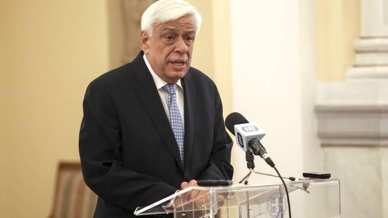 Παυλόπουλος: Ο ελληνικός λαός αντέχει και θα αντέξει παρά τα προβλήματα (pics)