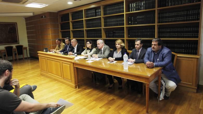 Τροπολογία φέρνει αλλαγές στο καθεστώς των συμβολαιογράφων