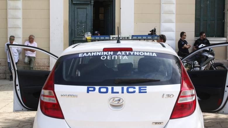 Απίστευτο περιστατικό - Ληστής μετά από καταδίωξη δάγκωνε με μανία το χέρι αστυνομικού