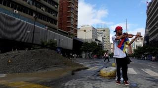 Βενεζουέλα: Ο βιολιστής-σύμβολο των διαδηλώσεων έχασε την ακοή του (pics)