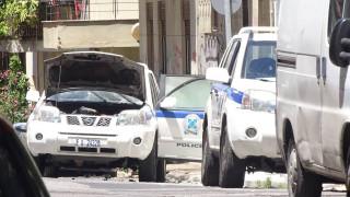 Επίθεση με βόμβες μολότοφ στο σπίτι του Αλέκου Φλαμπουράρη στα Εξάρχεια