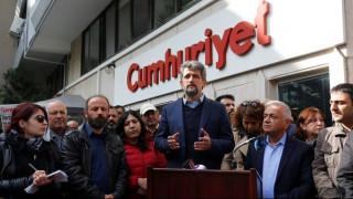 Τουρκία: Αποφυλακίστηκαν οι 7 συνεργάτες της Cumhuriyet