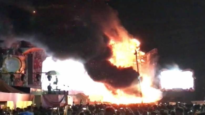 Βαρκελώνη: Ξέσπασε πυρκαγιά σε φεστιβάλ μουσικής με χιλιάδες κόσμο (pics&vids)