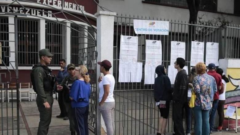 Χάος στην Βενεζουέλα: 4 νεκροί ανήμερα των εκλογών