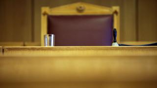 Νομικό κενό στον καθορισμό επαγγελματικών δικαιωμάτων των αποφοίτων των ΑΕΙ