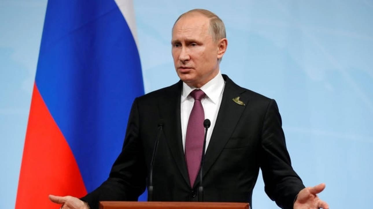 «Βρυχάται» ο Πούτιν - Διώχνει από τη Ρωσία 755 Αμερικανούς διπλωμάτες