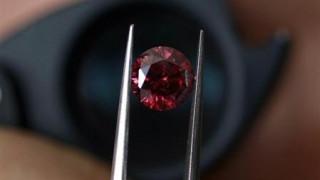 Σε δημοπρασία το σπανιότερο διαμάντι του κόσμου