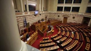Αντιπαράθεση κυβέρνησης - αντιπολίτευσης στο νομοσχέδιο για την ανώτατη εκπαίδευση