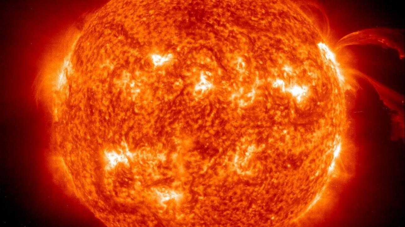 Ανατρέπονται όσα γνωρίζαμε για την ταχύτητα περιστροφής του πυρήνα του Ήλιου