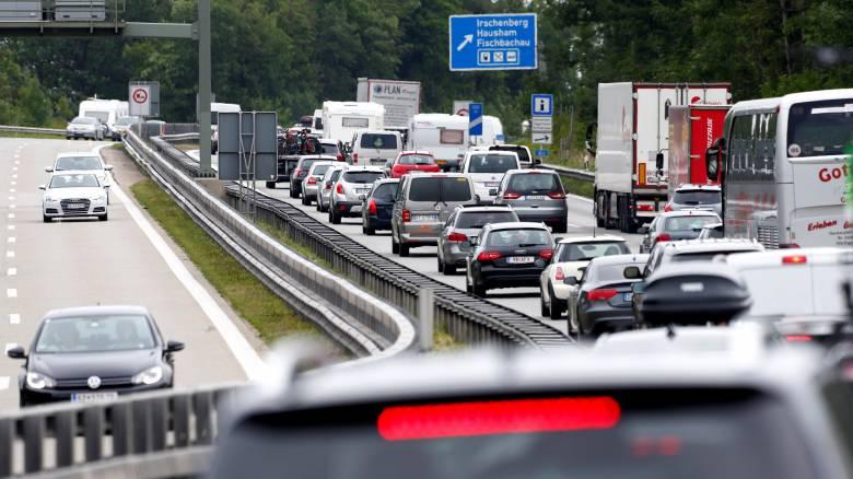 Η Γερμανία ψάχνει λύσεις για τη μείωση της ρύπανσης - Το σχέδιο για τα πετρελαιοκίνητα οχήματα