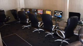 Είχαν μετατρέψει το καφενείο σε μίνι καζίνο