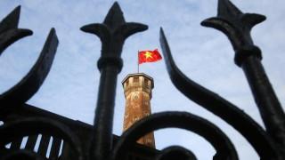 Βιετνάμ: Στέλεχος πετρελαϊκής παραδέχεται στην κάμερα ότι παραδόθηκε ο ίδιος στις αρχές