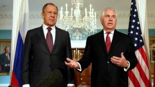 Συνάντηση Τίλερσον-Λαβρόφ εν μέσω «ψυχροπολεμικού» κλίματος