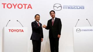 Το 5% της Mazda αγοράζει η Toyota