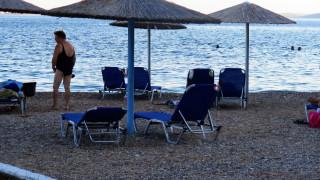 Χαλκιδική: Πλημμύρισε ο βόθρος και έφτασαν τα λύματα στους λουόμενους (pics&vid)