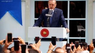 Ερντογάν: Τέλος τα μπλουζάκια με τη λέξη «ήρωας» για τους κατηγορούμενους ως πραξικοπηματίες